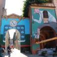 """Dozza(Dòzzaindialetto romagnolo) è uncomune italianodi circa 6.158 abitanti inprovincia di Bolognacomposto da due paesi:Toscanella(circa 4.000 abitanti) e Dozza (poco più di mille abitanti). Il capoluogo è detto anche """"Dozza imolese"""" per distinguerlo dall'omonima borgata diBologna. Dozza è considerato uno dei..."""